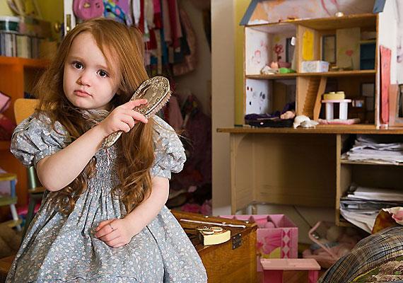 A vérszegénység külső jelekben is hír ad magáról, például töredezik, elvékonyul, ritkábbá válik a gyerek haja. A körömgyengeség oka is lehet vérszegénység.