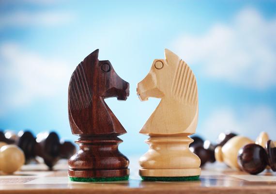 A sakk bonyolult játék, kellő logikai érzék szükséges hozzá, ezért fejleszt annyira jól.