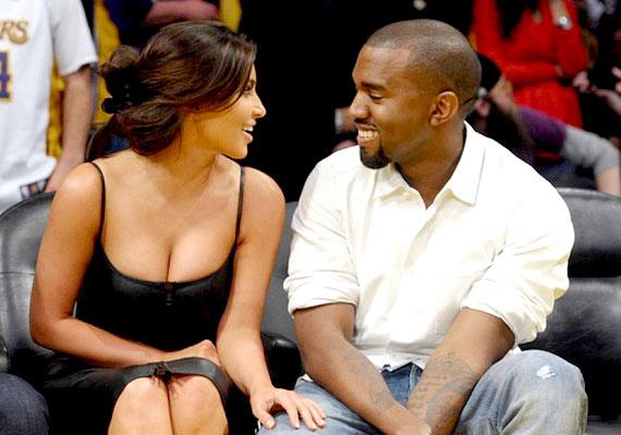 Kim gyermekének apja Kanye West, ám a valóságshowsztár még mindig nem vált el férjétől, Kris Humphriestől. A kosárlabdázó mindössze 72 napig volt a modell férje, de a válás már több mint egy éve húzódik, és egyre csúnyábbnak tűnik.