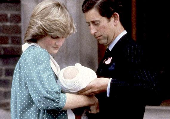 A királyi hagyományoknak megfelelően otthon zajlott volna a szülés, azonban Diana nőgyógyásza ragaszkodott a kórházi ellátáshoz - ami utólag kifejezetten jó döntésnek bizonyult, miután 16 órás, komplikációkkal tűzdelt, nehéz vajúdás után sikerült csak világra hoznia a picit. 1982. június 21-én, este kilenc órakor megszületett Vilmos herceg.