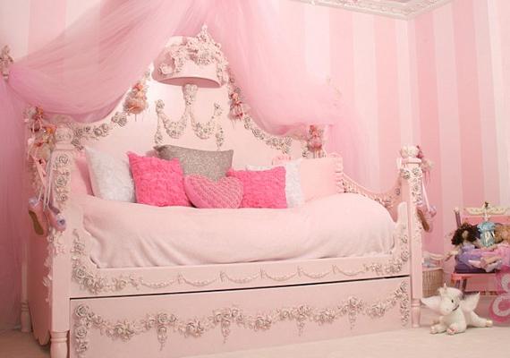 Ennek az ágynak a fantázianeve méltán lett Rózsahercegnő. Ára 9900 dollár, körülbelül 2 millió 100 ezer forint. Némi felárért kristályokkal is díszítik.