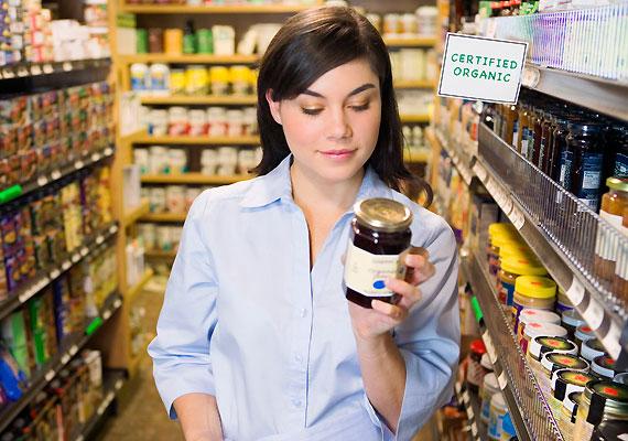 Az ételféleségekben lévő kemikáliák is rontják a fogamzóképességet. Figyelj arra, hogy a vásárolt termékekben minél kevesebb legyen a mesterséges édesítőszer - E-950-952, 954 -, a tartósító - E-210-219, 249-252 - és az ízfokozó - E-621.