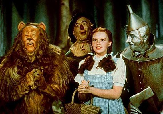 Az Óz, a nagy varázsló meséje örökérvényű problémákkal foglalkozik. Útkeresésről, bátorságról, barátságról és szerelemről szól, mely humorral nevel az életre. Az Óz, a csodák csodája című filmfeldolgozás 1939-ben készült, Judy Garland főszereplésével. Dorothy története egy különös képzeletbeli világban játszódik, melyben a kislány furcsa barátokra lel, akikkel egymást segítik közös kalandjaik során.