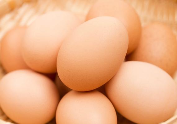 Tojás                         A-, B-, E-, D-vitamin, és még számtalan tápanyag van a tojásban, ezért semmiképpen nem szabad megfeledkezni róla. Rántotta, kemény tojás, buggyantott tojás vagy szendvicskrém is készülhet belőle, igazán változatos étel.