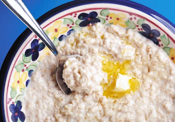 E-, B-vitamin, kalcium és cink is van a zabban - ez mind nagyon fontos tápanyag a fejlődő szervezet számára, így a fejlődő agynak is. Készíts a kicsinek reggelire finom zabkását, vagy adj neki zabpelyhet tejjel és mézzel.