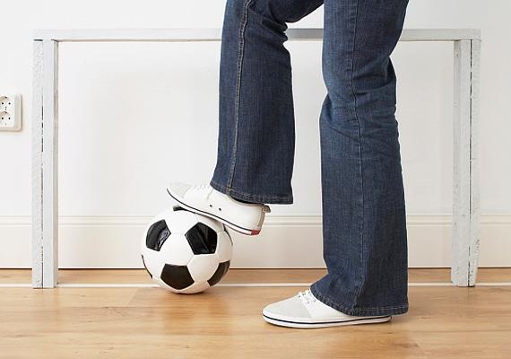 Amennyiben a gyermeked szeret focizni, akkor biztos lehetsz benne, hogy egy igazi energiabombával van dolgod, aki nem ijed meg az újdonságoktól.