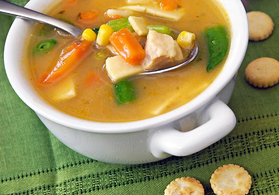 A köménymagos rántott leves és a zöldséges húsleves is a bevált népi praktikák közé tartoznak.
