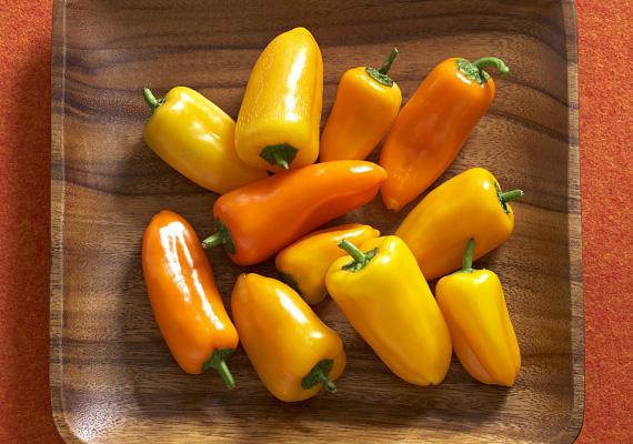 A paprika magas C-vitamin-tartalma mellett azért is kihagyhatatlan zöldség, mert A-, B1-, és B2-vitaminban, valamint béta-karotinban is gazdag. Tegyél pár szeletet az uzsi mellé!
