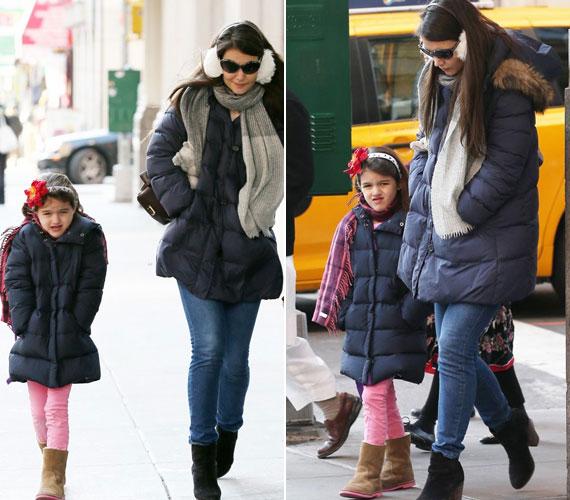 Katie Holmes és Suri a legdivatosabb anya-lánya páros. A színésznő nem erőlteti kislányára a ruhákat, elmondása szerint Suri dönt saját öltözetéről. Ugyanakkor sokszor látni őket aranyos, egymáshoz passzoló ruhákban, például a télikabátjuk is egyforma.