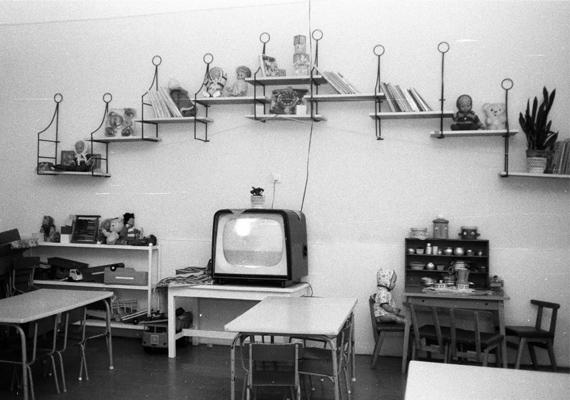 Cuki babakonyha, retró tévé és sok-sok játék. (1983)