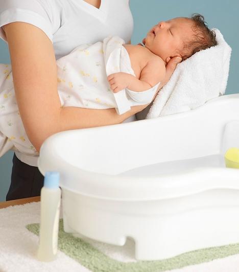 Babaápolási szerek                         Bár azt hinné az ember, a babaápolási szerekben nincs káros anyag, mégis van. Amelyik lanolint tartalmaz, általában peszticid is van, ami pedig a rovarirtók egyik alapanyaga.