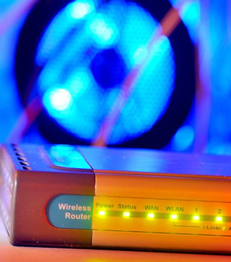 Wifi router                         Szintén megosztja a tudományt, de egyes kutatók szerint a wifi sugárzása rákot okozhat, akárcsak a mobiltelefonoké.