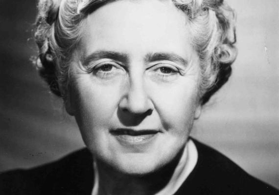 A krimikirálynő, Agatha Christie nemcsak a számokkal, hanem a betűkkel is hadilábon állt, ennek ellenére a világ egyik leghíresebb írója lett, akinek könyveiból a mai napig rengeteg fogy a világon.