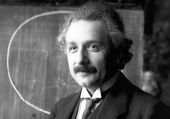 Albert Einstein egyszerűen a lustasága miatt szerzett rossz jegyeket. Az iskolai sikertelenségért cserébe jó kárpótlás volt a Nobel-díj, amelyet 26 évesen kapott meg.