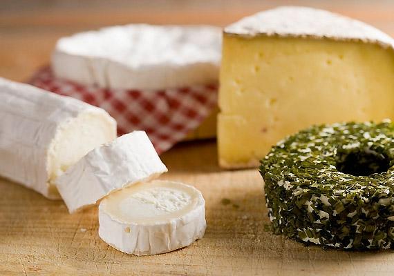 Ugyanez a helyzet a sajttal.