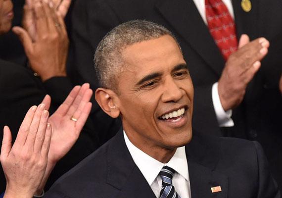 Barack Obama lényegében apa nélkül nőtt fel, és gyermekként rendszeresen érte inzultus a bőrszíne miatt. Éppen ennek hatására döntött később úgy, hogy politikatudományi, majd jogi diplomát szerez - hiszen a rasszizmus ellen csak kellő felkészültség birtokában tud tenni. Először csak kicsiben tevékenykedett, például közösségi szervezőként segített hátrányos helyzetű embereket, majd mind feljebb jutva az Egyesült Államok első afroamerikai elnöke lett.