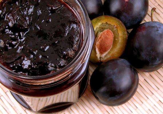 A szilva minden formájában jó, de legfőképpen lekvárként serkenti a bélműködést a benne lévő szorbitol miatt, mely egyfajta természetes cukor. Aszalva és friss gyümölcsként is hatásos.