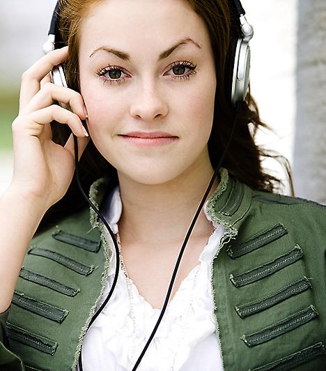 ZeneEgy várandós nő mellett olykor nem egyszerű az élet. Ha nem szeretnéd, hogy hirtelen hangulatváltozásaid a környezetedben élőknek is nehézséget okozzanak, próbálj mag tudatosan lazítani! Amikor úgy érzed, hogy fogytán a türelmed, hallgass nyugtató zenét, és kapcsolj ki egy fél órára!Kapcsolódó cikk:4 biztos jel, hogy megfogant a baba »