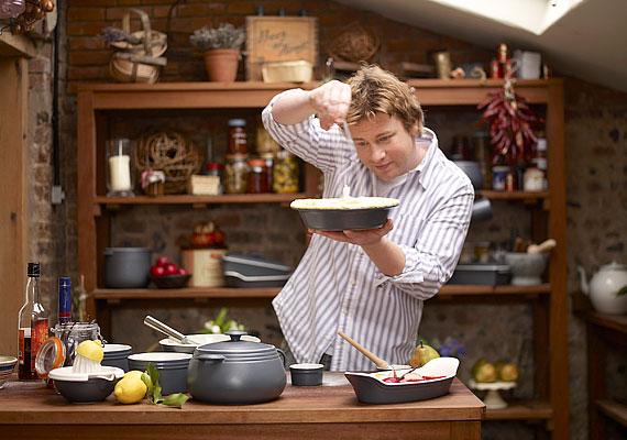 Az egykor tanulási zavarokkal küzdő Jamie Oliverből néhány év leforgása alatt lett sztárszakács. 2003-ban a Brit Birodalom rendjének tagjává ütötték.