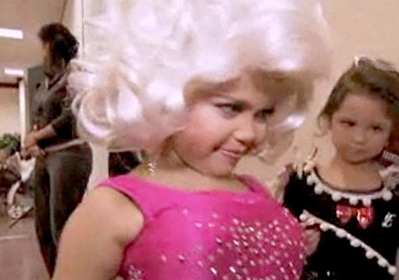 Maddy Jackson először hét hónapos korában indult szépségversenyen, persze nem egészen önszántából. Állítólag a műmell már akkor is az alapfelszerelés részét képezte.