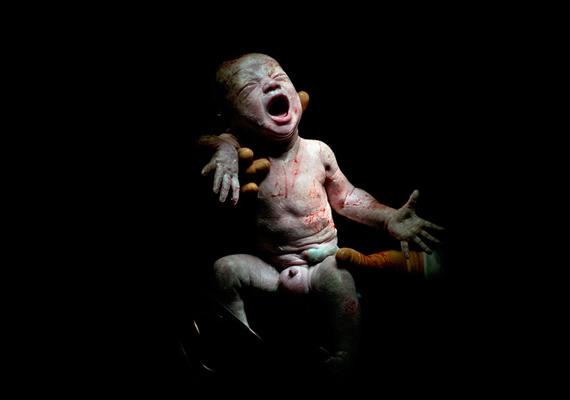 Mael, 18 másodperccel születése után.