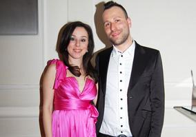 Ikrekkel várandós Kozma Orsi, ezt az énekesnő és férje, Benedek Tamás jelentették be az RTL Klubon hétfőn reggel.