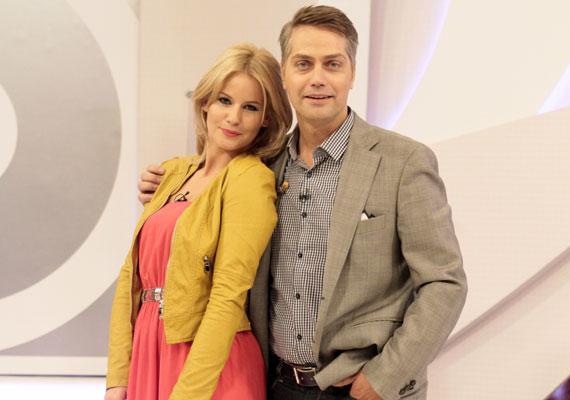 Egy új, nagyszabású showműsorral tért vissza Mádai Vivien a képernyőre. Az M1-en péntek esténként jelentkező, Legenda című produkcióban Harsányi Levente műsorvezetőtársa.