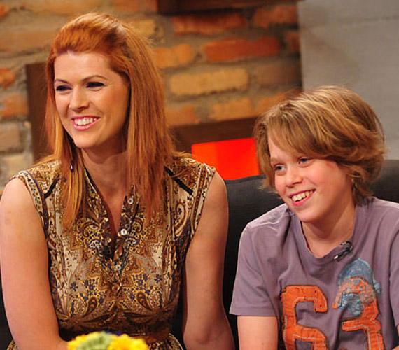 A műsorvezetőként megismert Jaksity Kata két fiú büszke anyukája, akik közül a nagyobbik, a 12 éves Ábel lassan felülmúlja ismertségben a mamáját.