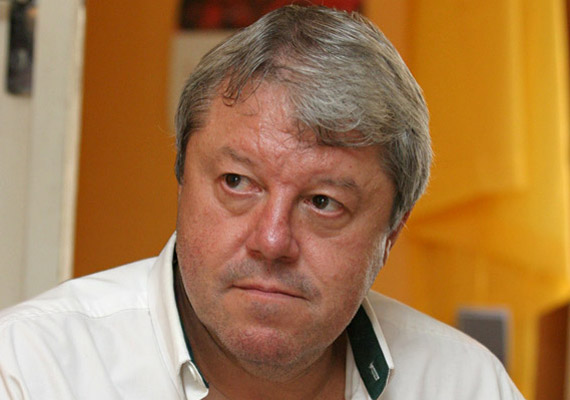 Böröczky József, a Mikroszkóp Színpad humoristája és az Eurosport szakkommentátora szeptember 17-én hunyt el, a sokak által szeretett előadó rákos daganattal küzdött.