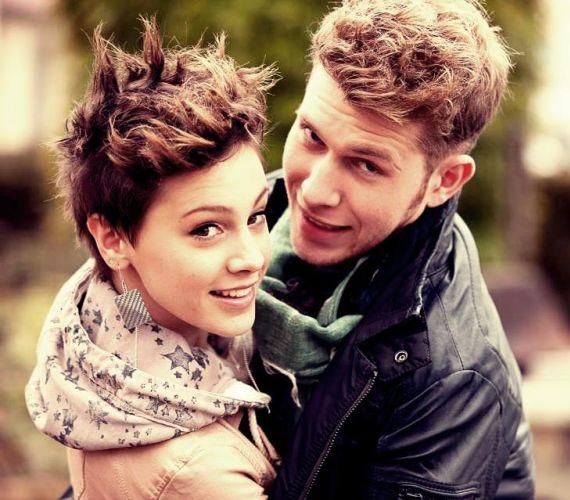 Kováts Vera és Baricz Gergő a 2011-es X-Faktor verseny alatt talált egymásra, bár szerelmük csak később teljesedhetett ki. Májusban azonban a pár szakított, az énekes fiú a Némán állni című dalában emlékezett meg a szerelemről.