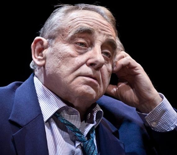 December 5-én 71 éves korában elhunyt Hollósi Frigyes, Jászai Mari-díjas színművész, a Kisváros című sorozat legendás Járai őrnagya.