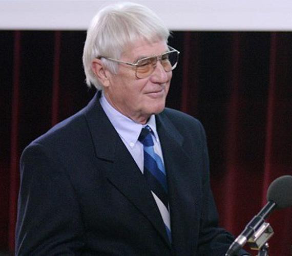 Életének 85. évében márciusban elhunyt Sík Igor Balázs Béla-díjas operatőr, a Magyar Televízió örökös tagja.