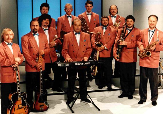 Meghalt 62 éves korában Balázs Gábor nagybőgőművész, a Stúdió 11 zenekar tagja - tudatták az MTI-vel zenésztársai, a Stúdió 11 Egyesület/Ensemble tagjai.
