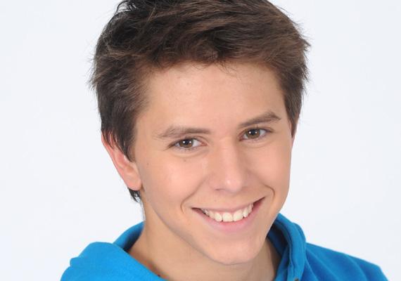 Az elmúlt napok találgatásai után az RTL Klub hivatalosan bejelentette, hogy Barna Zsombor elhagyja a Barátok közt stábját. Vele együtt több személycsere is történik a népszerű sorozatban.