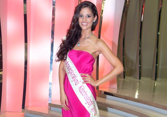 Váratlan fordulatok a TV2 A Szépségkirálynő című műsora alatt és után: Kocsis Korinna lemondott a a Miss Intercontinental címről, az új királynőt A Szépségkirálynő után, a színfalak mögött koronázták meg.