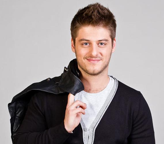 A Jóban Rosszban sztárja a TV2 buliján törte el a kezét, ami miatt be is kellett gipszelni, Gábor a baleset körülményeit is elmesélte.