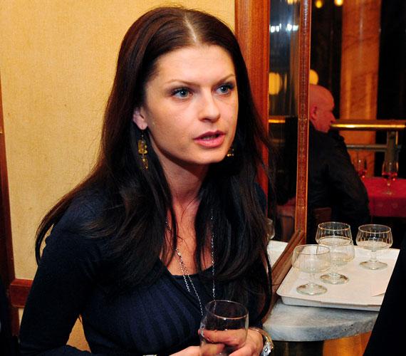Hazánk népszerű színésznője, Ullmann Mónika augusztus 2-án ünnepelte 38. születésnapját.