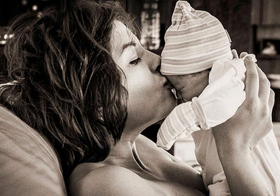 Ördög Nórát az angol hercegi baba érkezése ihlette meg, és újabb blogbejegyzéséhez mellékelt egy fotót kislányáról is.