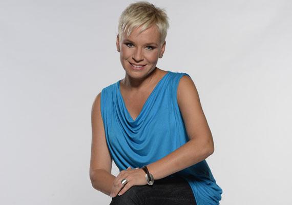 Október elsejétől a szőke műsorvezetőnő az RTL II-n tér vissza a képernyőre, mégpedig az elsősorban bűnügyekkel, visszaélésekkel foglalkozó Forró nyomonnal.