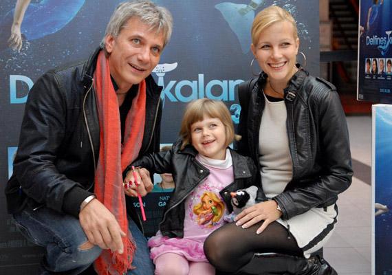 Várkonyi Andrea és Bochkor Gábor ugyan nem rejtegetik kislányukat, de azért nem lehet úton-útfélen a négyéves Nóri fotóiba botlani.