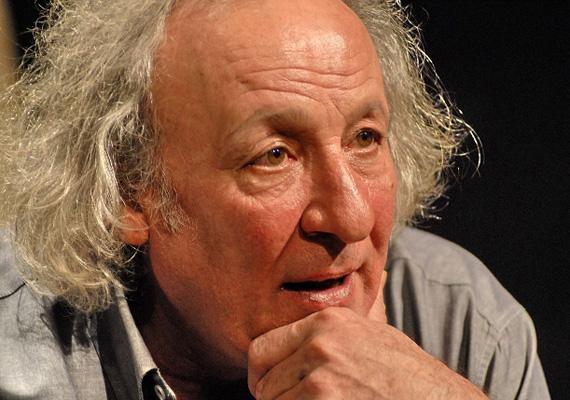 Életének 66. évében váratlanul elhunyt Vallai Péter Jászai Mari-díjas színművész. A Vígszínház társulatának tagját szerdára virradó éjjel érte a halál - tudatta a teátrum a honlapján.