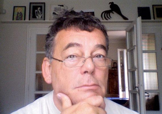 Az Eszkimó asszony fázik és a Rocktérítő alkotója, Xantus János súlyos, gyógyíthatatlan betegségben szenvedett. 2012. november 13-án, 59 korában érte a halál.