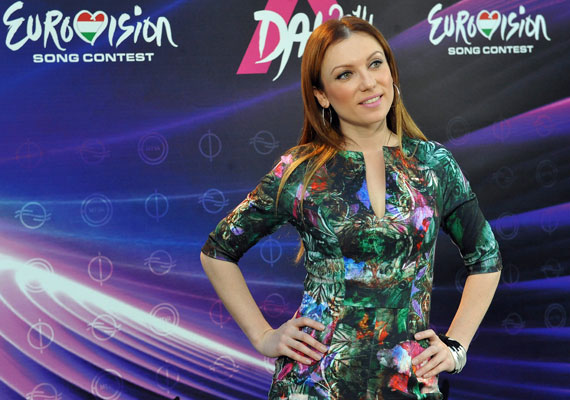 Rúzsa Magdi vagány ruhájában a fotósok kedvence volt az Eurovíziós Dalfesztivál jövő évi magyar válogatóversenyének, A Dalnak a keddi sajtótájékoztatóján. Itt jelentették be azt is, ki lesz a műsor új zsűritagja.