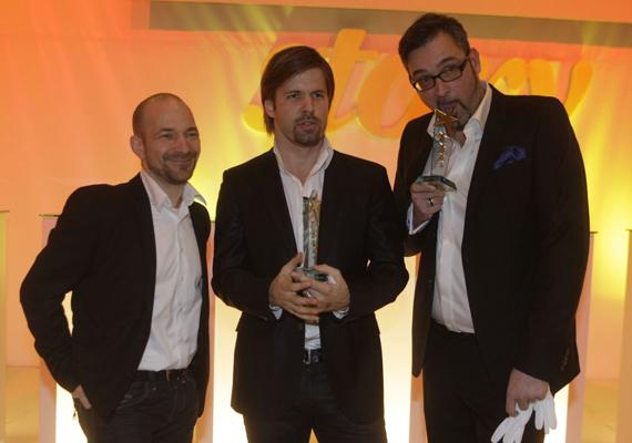 Sebestyén Balázs két díjjal is távozhatott az estről, az év műsorvezetője-elismerés után a Class FM csapatával az első helyet érték el a leg-leg-leg kategóriában. A jutalmak átvételét követően a rádiós mindössze annyit mondott viccesen, ettől csak még nagyképűbb lesz.