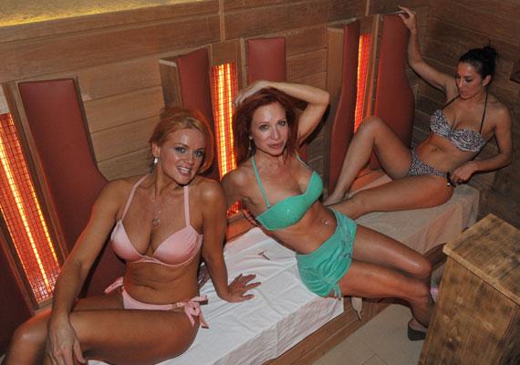 Détár Enikő így lazított barátnőivel, a színésznő Fésűs Nellyvel és Ladinek Judittal. Kattints a képekért!