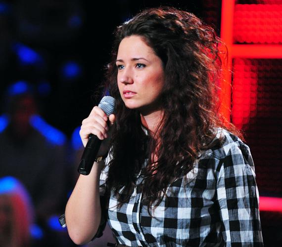 A fiatal énekesnő, Burger Ágnes nemrég még 104 kilót nyomott, de az utóbbi körülbelül egy évben nagyjából 30 kilót adott le.