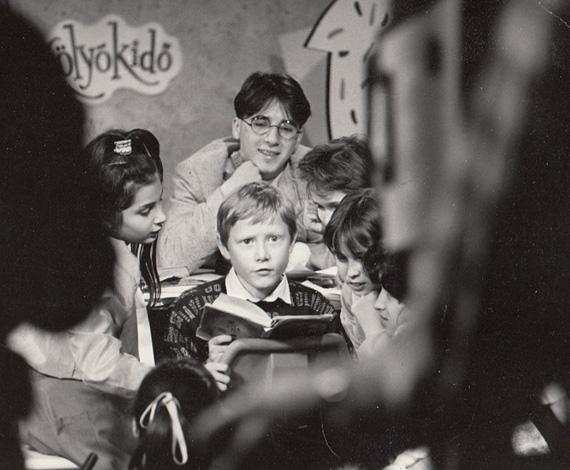 Kölyökidő: 1989-től 1997-ig forgatták a népszerű gyerekműsort, amiben a tizenévesek problémái, mindennapjai kerültek elő egy zenével, versekkel, apró jelenetekkel tarkított egyvelegben. Az akkori kistinik közül sokan - Szekeres Nóra, Czippán Anett - ma is a tévénél dolgoznak, és a nagyfiú, Gaskó Balázs - aki akkoriban valójában csak gimnazista volt - szintén tévés műsorvezető maradt.