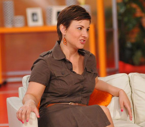 Éretten nőies - Ábel Anita az egész országot elbűvölte hétfőn délelőtt a Reggeli című beszélgetős műsorban.