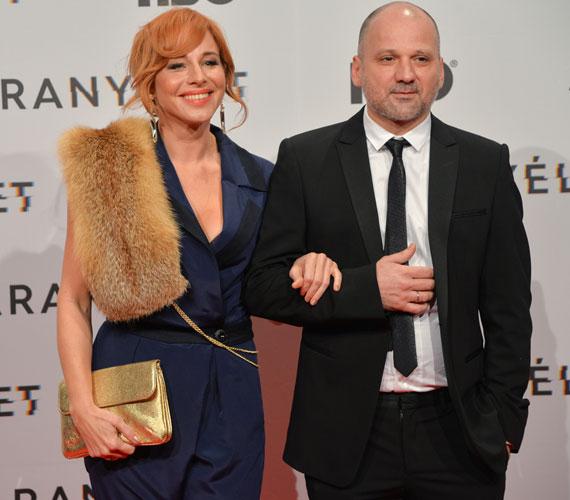 A színésznő és filmbeli férje, Thuróczy Szabolcs eleganciából is ötösre vizsgáztak a vörös szőnyegen.
