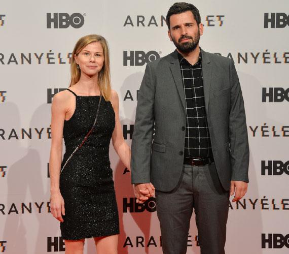 Mátyássy Áron, az Aranyélet című sorozat egyik rendezője színésznő párjával, Vass Terézzel érkezett, akit legutóbb a Víked című thrillerben láthattunk - szintén Mátyássy rendezte.